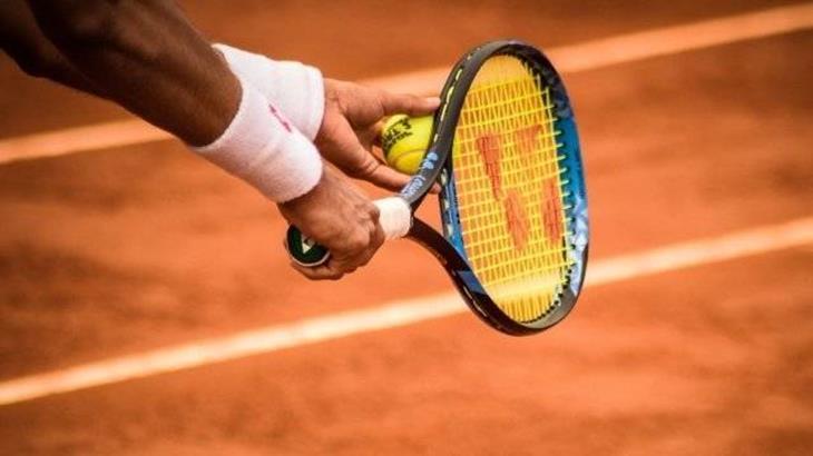 tennis-opslag-full.jpg